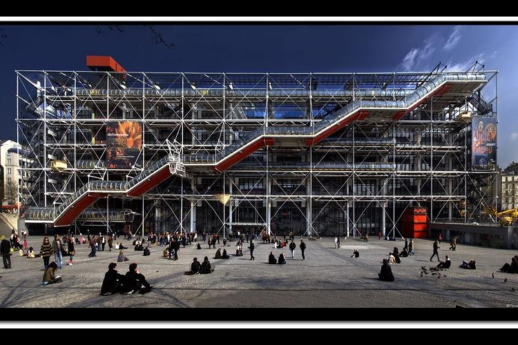 cheron_michel_photo_facade_entiere_du_centre_g.pompidou_hd_2010.jpg